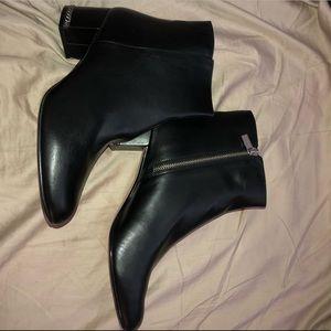 NEVER WORN Michael Kors boots